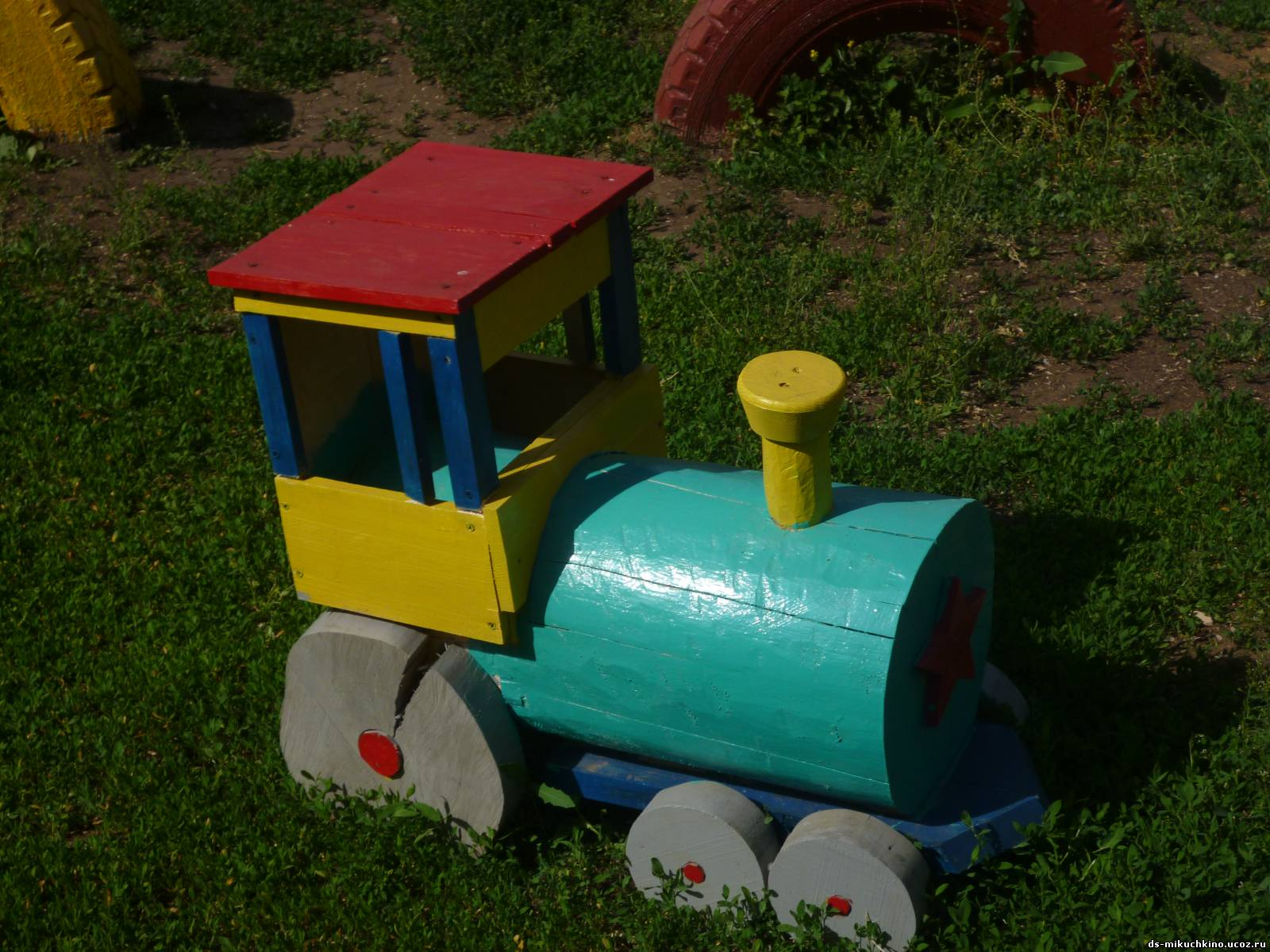 Идеи для детской площадки: детский паровозик 88